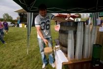 … pan starosta naráží dřevěný sud piva