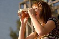 vyzyvatelka Olga – držitelka českého rekordu v pití půllitrového piva