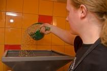 šrotování sladu na várku