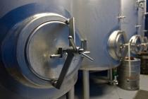 zrání piva v ležáckém sklepě